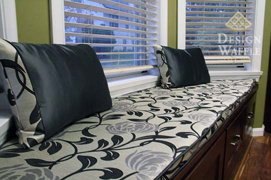 kitchen bay window seat