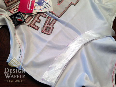 altering a baseball jersey DIY